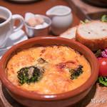 カフェ&ブックス ビブリオテーク - エビとブロッコリーのグラタン