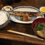 わらじ家 - さんま焼き定食(500円)
