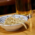 そば処 まる山 - 生ビールに蕎麦スナック付