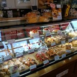 スイス菓子 バーゼル - メインはケーキ屋さん