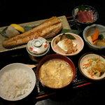 駅前一丁目二百十一番地酒場 - ランチ 焼き魚定食 750円(刺身は付きません)