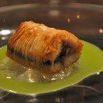 レストラン フランセ  グリグリ - 鰻のクルスティヨン+シトロンコンフィ+ピーマンのジュ