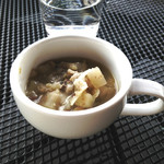 青いナポリ イン・ザ・パーク - セットのカップスープ