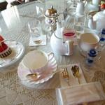 60700528 - お茶のテーブルセッティング