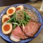 島田製麺食堂 - 飛魚味玉そば 大盛 更に玉子追加 2016年12月