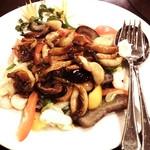 中華料理 琨泰 - アワビとフクロタケの炒め物