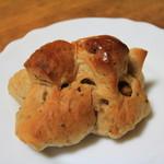 パンのトラ - くるみパン