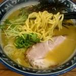 佐市 - 太めのちぢれ麺