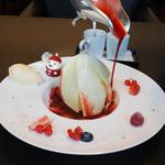 東洋軒 - ソースをかけると花開くデザート