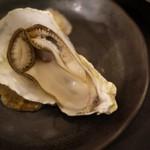 アキバの酒場 - 蒸し牡蠣たまらんわ( ̄¬ ̄*)ジュルリ