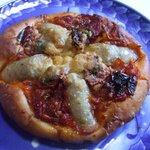 ベーカリー 麦香 - ドライトマトとバジル