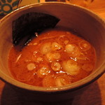 つけ麺屋 やすべえ - つけダレは、オーソドックスな魚介鶏白湯味+軽めの辛味。