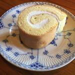 60711662 - ロールケーキ飲み物とセットで1180円