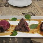 60712796 - 次はシャトーブリアンステーキ、牛のヒレ肉の中で中央部の最も太い部分の赤身のステーキですね。