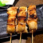 水炊き・焼き鳥 とりいちず - むね肉と皮の抱き身¥99/1本 2016.12.27