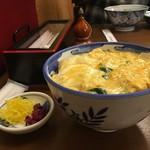 ひさご - 親子丼とお漬物