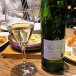 タヴェルナウオキン - ワインは2,980円のものでも十分美味い
