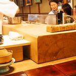 英ちゃん冨久鮓 - 樹齢500年の超分厚い木曽桧のまな板