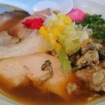 濃麺 海月 - 元日限定・略して「らー」(金目鯛と牡蠣と名古屋コーチンを使用した醤油らーめん) 1000円