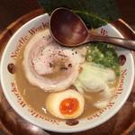 ヌードルワークス - ラーメン(660円)