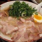 熟成細麺 宝屋 - チャーシューメン大盛
