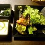個室和食居酒屋 三芳 - おろし玉葱の和風サラダ、前菜二品
