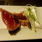 個室和食居酒屋 三芳 - 炙り鰹の塩タタキ