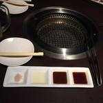 焼肉 和炎 - テーブル