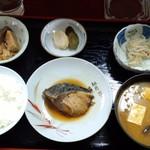 燦々亭 - 煮魚定食