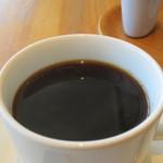 umi cafe - ホットコーヒー(深煎り)アップ