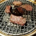 炭火焼肉 ぶち -
