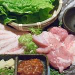 焼肉 炙屋武蔵 - ・津軽鶏・豚カルビ・サンチュ~我が家味噌添え~【2016年4月】
