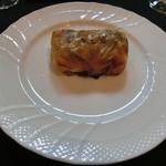 洋凡料理 NAKAMURA - 舌平目のパートフィーロ包み