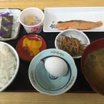 60735674 - 朝定食=500円                       んっ苦手な 納豆と生玉子が・・