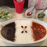 VOVO - 「2コンビネーションカレー(ビーフ&野菜のカレー)」