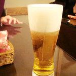 インド料理 想いの木 - 生ビールは、Asahiスーパードライ。でも、泡立ちは割とクリーミー。