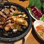 60746016 - サムギョプサル、野菜が絶品