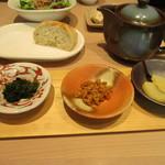 三重テラス - 三種の薬味と鶏出汁