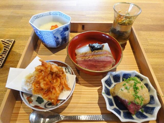 空花 - 長谷 2,300円(税別)
