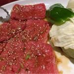 60755656 - ロース定食の肉