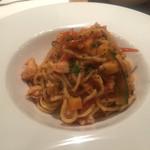 バクロウ - 魚介とトマトソースのタリオリーニ