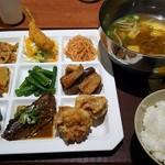 門司港レトロ食堂 - レトロ定食は、少しずついいとこどり