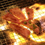 焼肉 晩餐館 - 旨味が湧き出てくるような信州牛