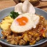 60760122 - インドネシアの焼飯ナシゴレン