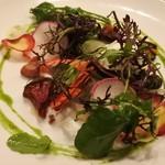 60760839 - モッツァレラチーズと神戸市内で採れた有機野菜のサラダ