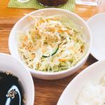 カレーハウス若菜 - サラダ