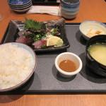ソラエ・ダイニング 海鮮 七菜彩 - 暫く待つと注文した「ごまさば定食」1190円がテーブルに運ばれてきました。