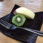 大松 - 食後のフルーツ