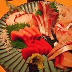 Wagen - タコ・カンパチ・シマアジ・マグロ・鯛の五種盛り
