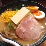 北海道らーめん 壱龍 - 札幌味噌バターコーン¥930、味玉¥100